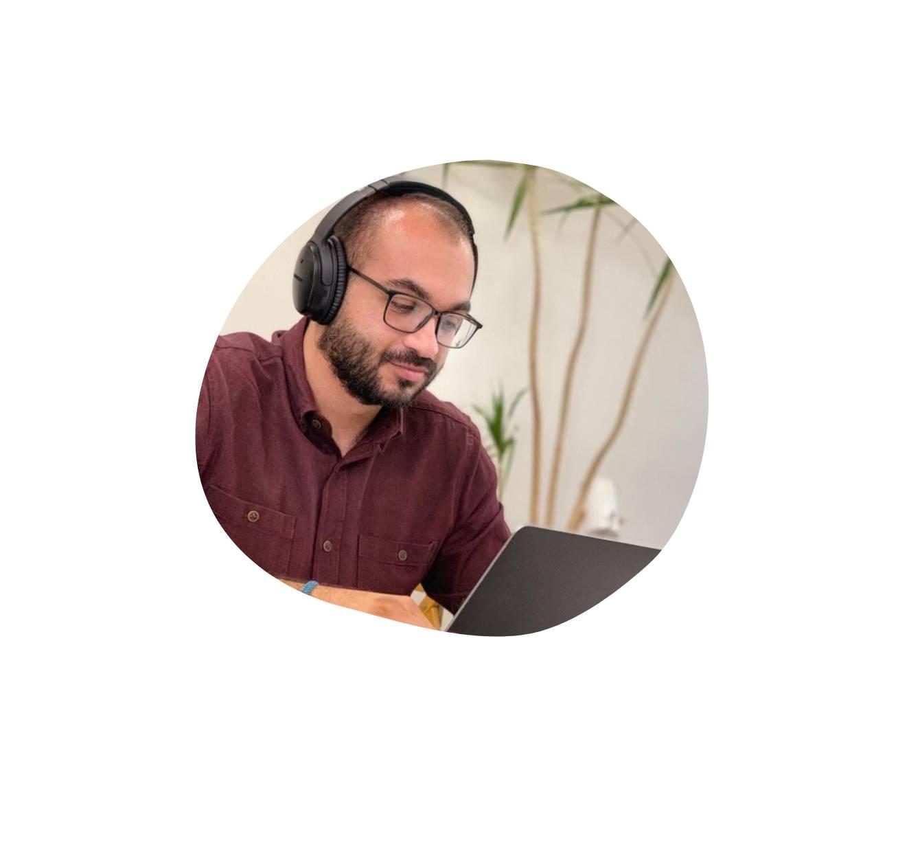 Moe - Digital marketing consultant working